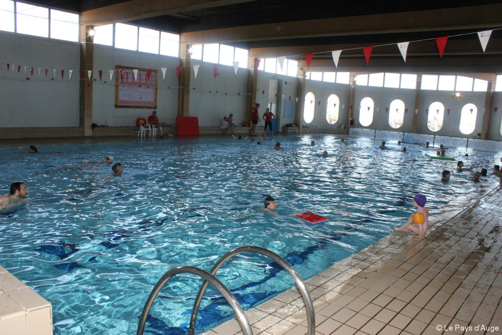 Trouville sur mer la piscine un gouffre financier que la for Article piscine